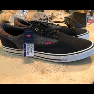 New Levi's men's Sneakers Size 13